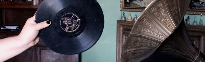 15th December // Artist in Residency at Ausland // Turntablism with Gramophones
